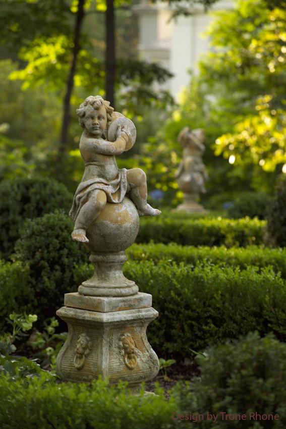 statuary w credit